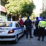 Η αστυνομία απέκλεισε και την πλατεία Αγίου Γεωργίου στην Κυψέλη